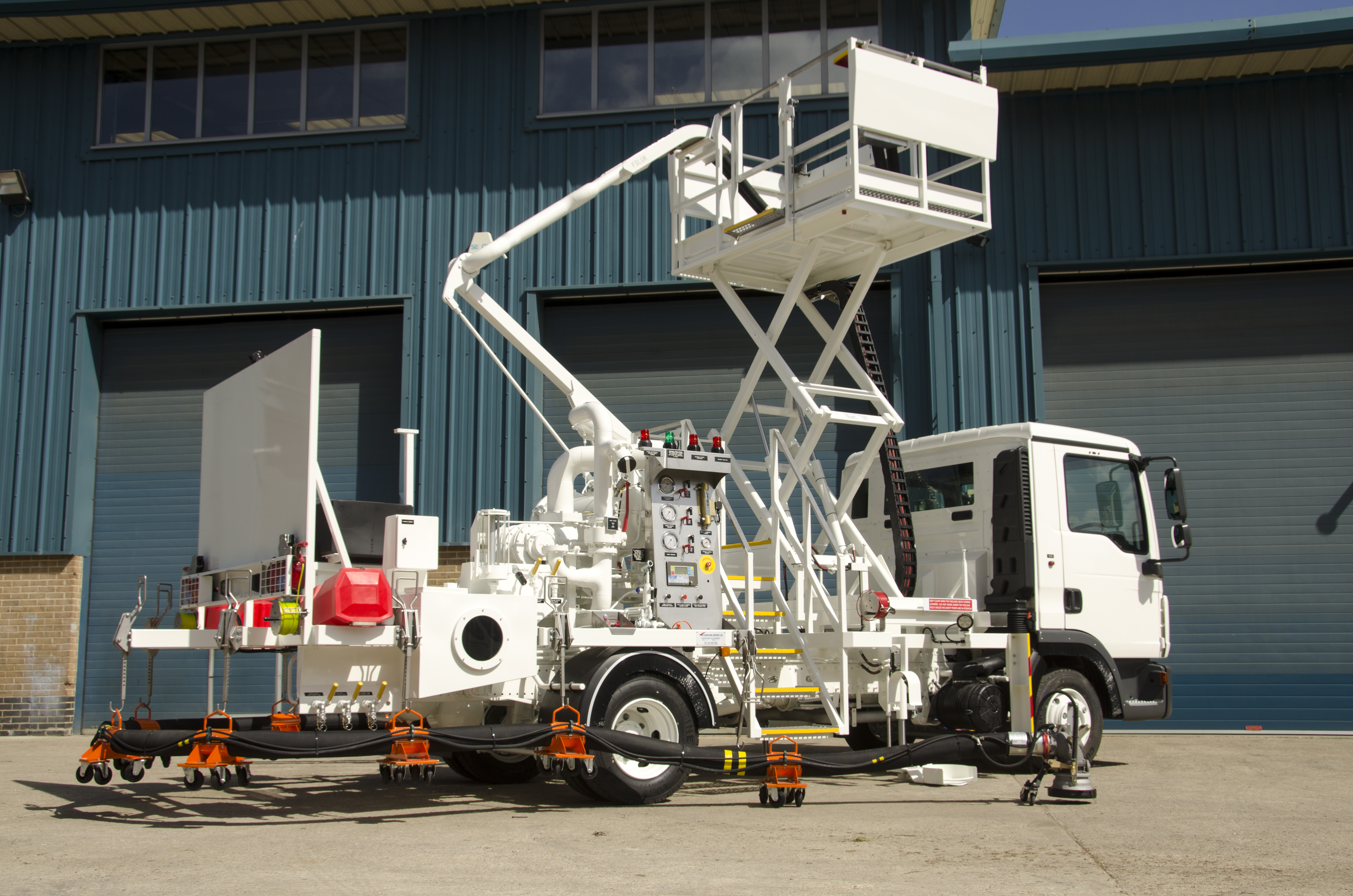 Flightline Support Ltd Aircraft Refuelling Vehicles And