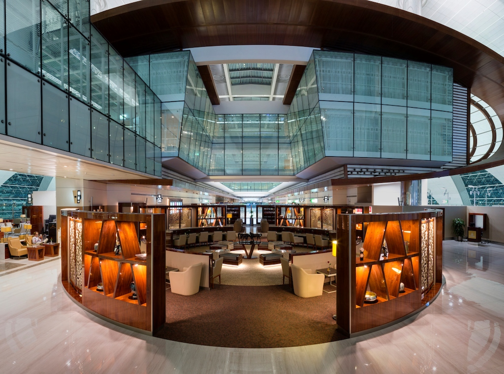 Emirates business lounge refurbishment at Dubai ...
