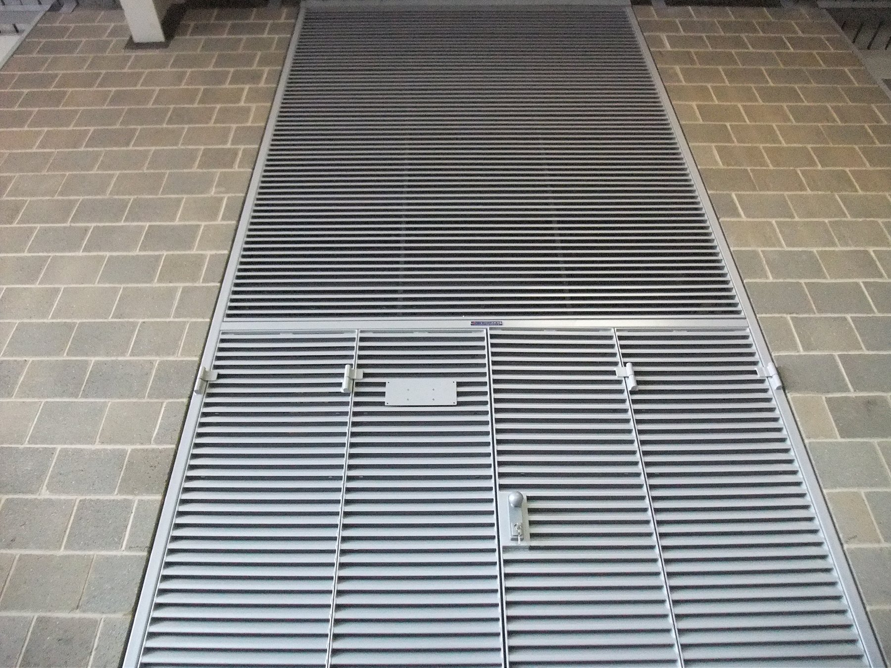 The ExcluLouvre is fully compatible with the ExcluLouvre Door range. : door louvres - pezcame.com