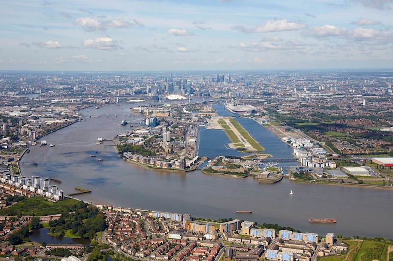 London City Airport shut as WW2 bomb found in Thames - Airport Suppliers
