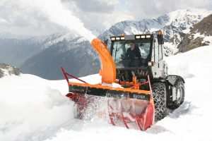 Snow cutter blowers