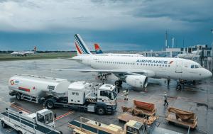 Aircraft Refuellers – Semi-Trailer type