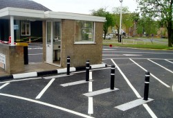 Airport Vehicle Bollards / Airport Litter Bins / Airport Street Furniture