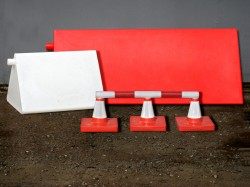 Richmark Tribox and Richmark Lindpet barrier systems